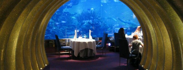 Al Mahara Seafood Restaurant is one of Queen 님이 저장한 장소.