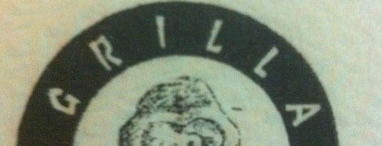 Grilla Bar & Grill is one of Locais curtidos por Angelika.
