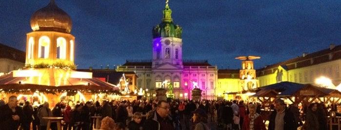 Weihnachtsmarkt vor dem Schloss Charlottenburg is one of Must Do: Berlin.