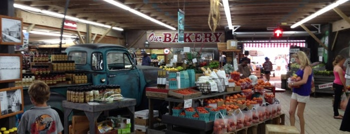 Morris Farm Market is one of Dawnさんのお気に入りスポット.