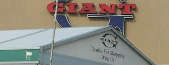 Giant Food is one of Everettさんのお気に入りスポット.