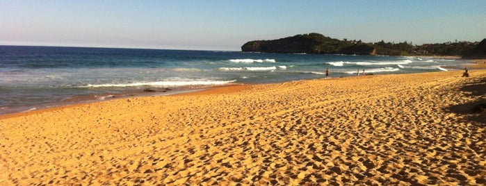 Mona Vale Beach is one of Maryさんのお気に入りスポット.