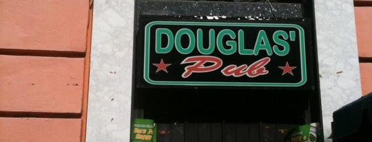 Douglas' Pub is one of Locais curtidos por Cristina.