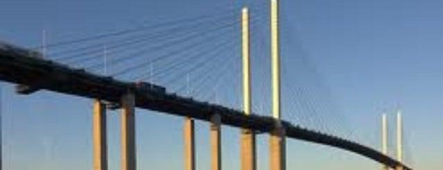 Queen Elizabeth II Bridge is one of Orte, die Carl gefallen.