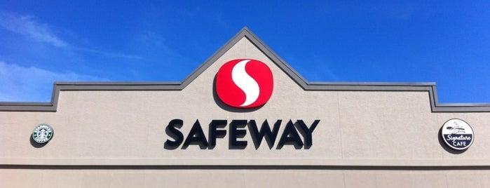 Safeway is one of สถานที่ที่ Maurice ถูกใจ.
