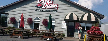 Dave's Diner is one of Greasy Spoon Badge.