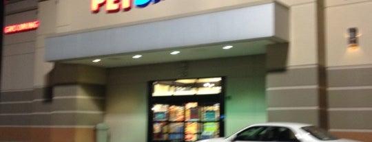 PetSmart is one of สถานที่ที่ Veronica ถูกใจ.