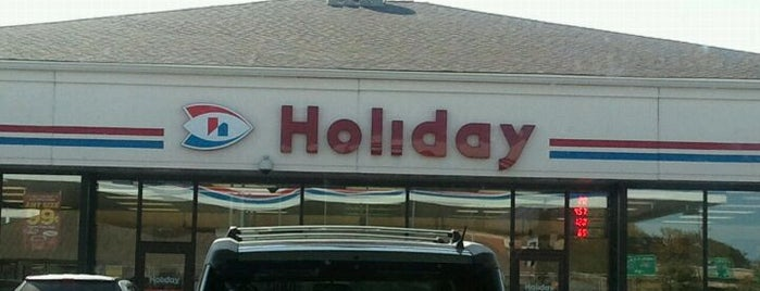 Holiday Station Store is one of Locais curtidos por Alan.