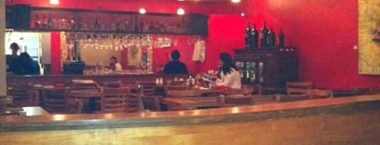 De Tapas y Copas is one of Bares y restaurantes..