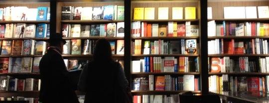 Buckhead Books is one of สถานที่ที่ Jay ถูกใจ.