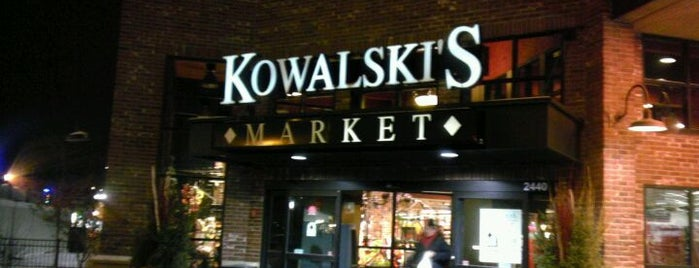 Kowalski's Market is one of Tempat yang Disukai Sarah.