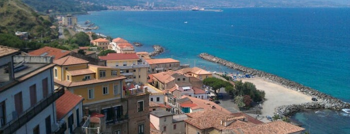 Pizzo Calabro is one of Calabria: la costa tirrenica.