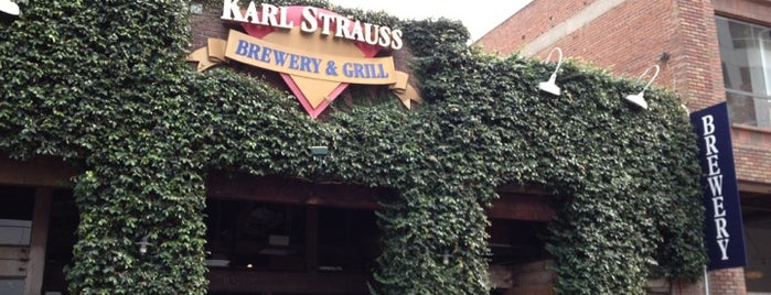 Karl Strauss Brewery & Restaurant is one of Tempat yang Disukai Dominic.