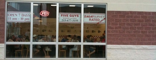 Five Guys is one of Lieux qui ont plu à Ryan.