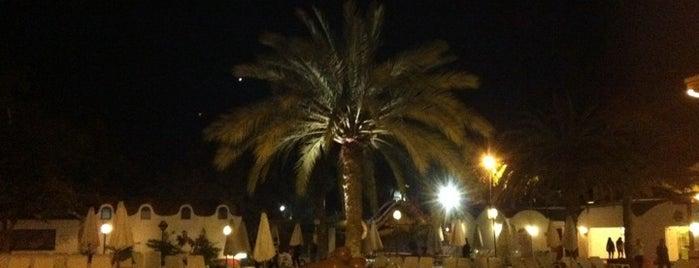 Las Dunas Hotel & Resort is one of สถานที่ที่ Susana ถูกใจ.
