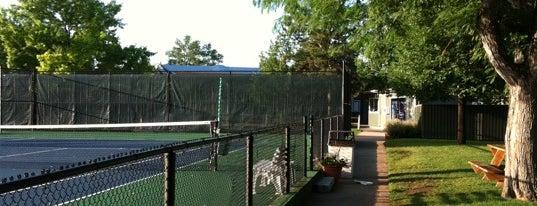 Skyline acres pool and tennis club is one of Posti che sono piaciuti a Andrea.