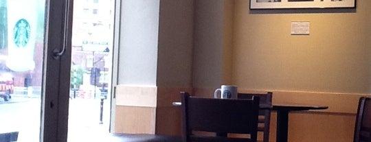Starbucks is one of Orte, die Shaun gefallen.
