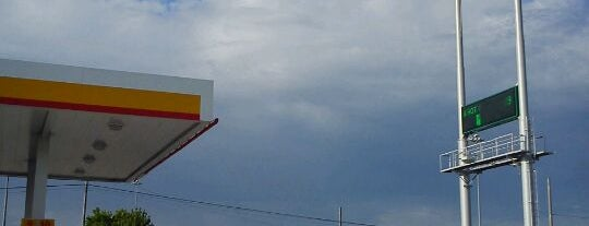 Shell is one of Locais curtidos por Daron.