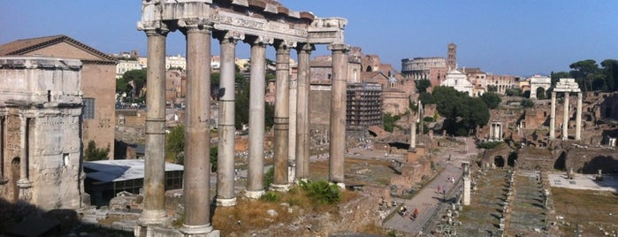 Forum Romawi is one of Favorite Places Around the World.
