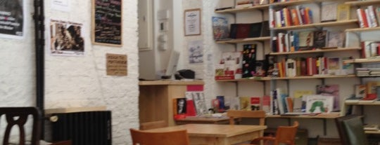Molar Discos & Libros is one of 30 cafés con encanto en Madrid.