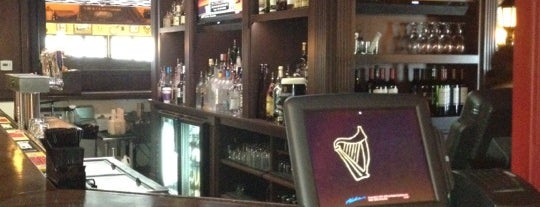 Brendans Irish Pub and Restaurant is one of DJ Lizzie : понравившиеся места.