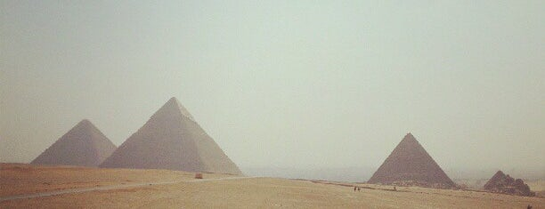 Great Pyramids of Giza is one of Hopefully, I'll visit these places one day....