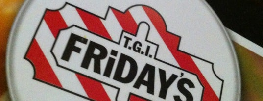 T.G.I. Friday's is one of Lugares NY.