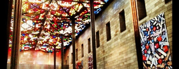 National Gallery of Victoria (NGV) is one of [To-do] Melbourne.