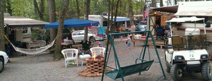 Hidden Valley Campground is one of สถานที่ที่ Mii ถูกใจ.