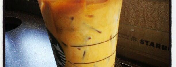Starbucks is one of Choklitさんのお気に入りスポット.