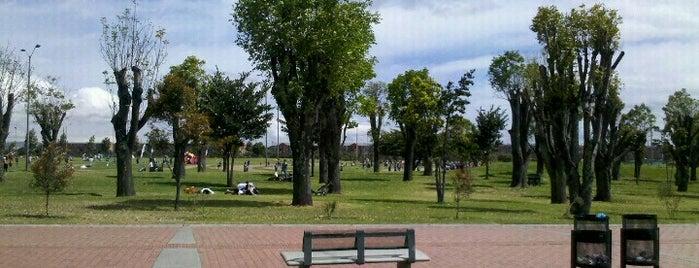 Parque Metropolitano El Tunal is one of Tempat yang Disukai Melanie.