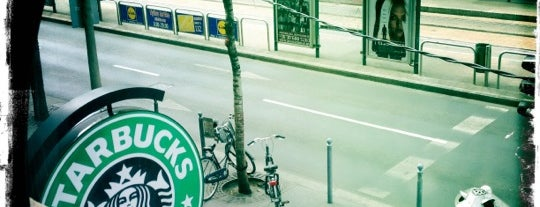 Starbucks is one of Lieux qui ont plu à Daniel.