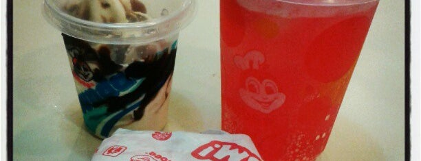 Jollibee is one of Locais curtidos por Louis Anthony.