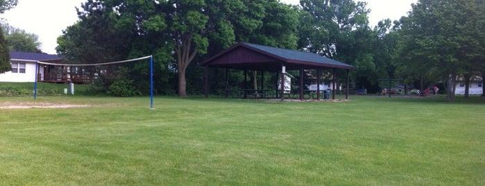 Sunset Meadows Park is one of Lieux qui ont plu à Jennifer.