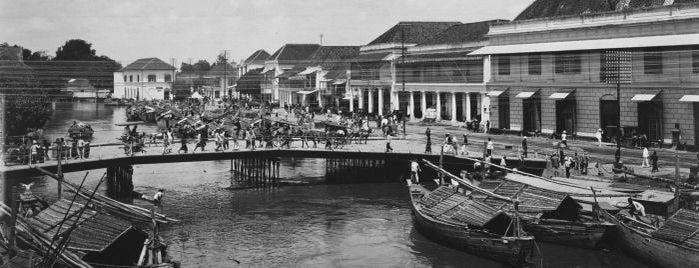Jembatan Merah is one of Characteristic of Surabaya.