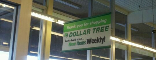 Dollar Tree is one of Jonathan : понравившиеся места.