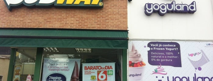 Subway is one of Locais curtidos por Rafael.
