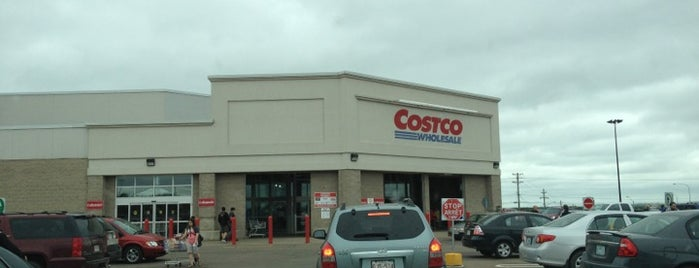 Costco is one of Le Moncton.