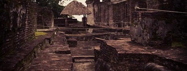 Zona Arqueológica de Comalcalco is one of Tempat yang Disukai Anaid.