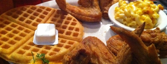 Gladys Knight's Signature Chicken & Waffles is one of Bucket List.