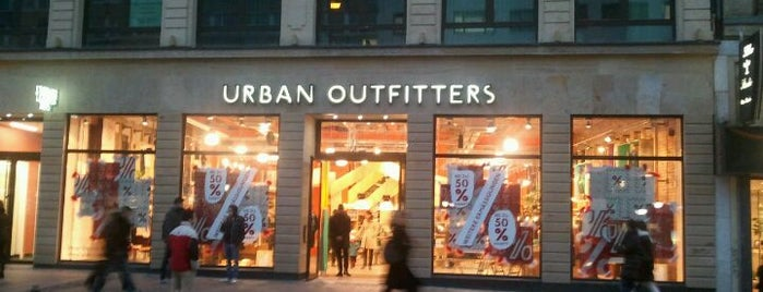Urban Outfitters is one of Viagem.
