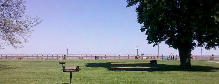 Bishop Park is one of Locais curtidos por James.
