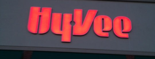 Hy-Vee is one of Joeさんのお気に入りスポット.