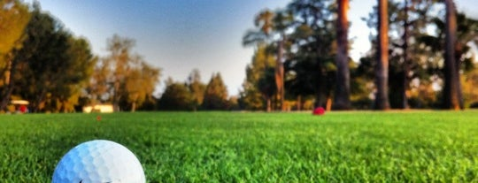 Altadena Golf Course is one of Posti salvati di Larry.