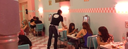Peggy Sue's is one of To-do Barcelona.