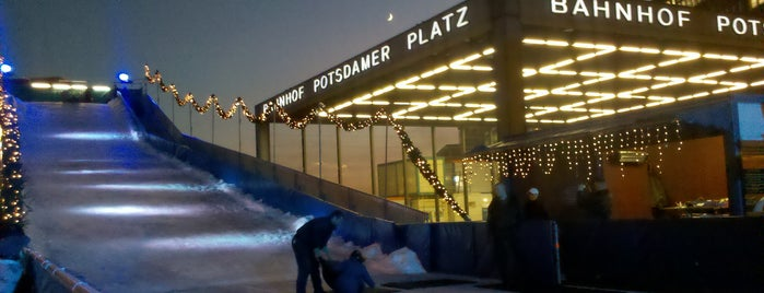 Winterwelt am Potsdamer Platz is one of Lugares favoritos de Jon.