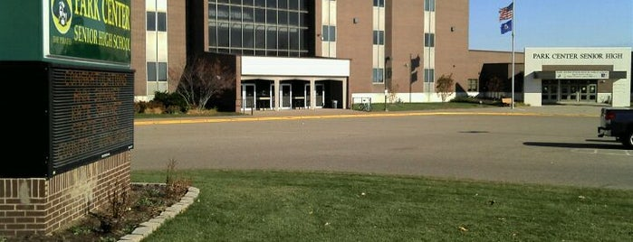 Park Center High School is one of Ernesto 님이 좋아한 장소.