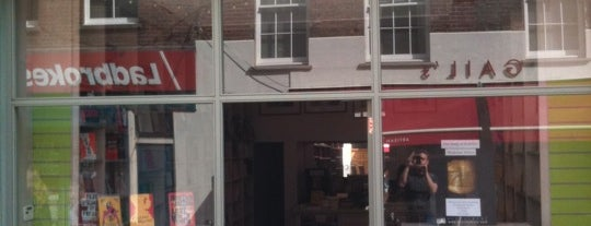 Clerkenwell Tales Bookshop is one of Christopheさんの保存済みスポット.