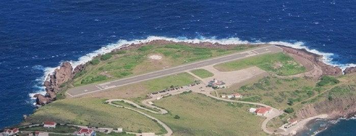 Juancho E. Yrausquin Airport (SAB) is one of Orte, die Kevin gefallen.