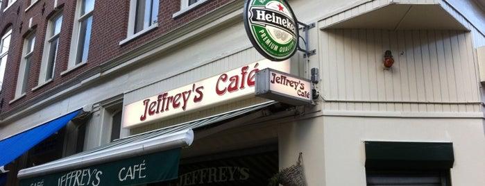 Jeffrey's Cafe is one of Orte, die Simone gefallen.